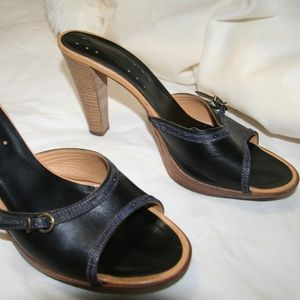 Alberto Fermani sz 9 black slide mule heel sandals